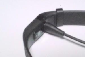 Fitbit Charge HRのケーブル接続