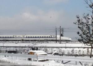 雪と新幹線